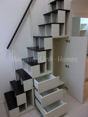 ハーモニーテラス池袋Ⅱの収納付き階段☆