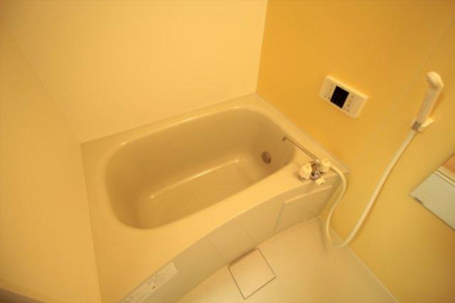追い焚き機能付きのお風呂です♪