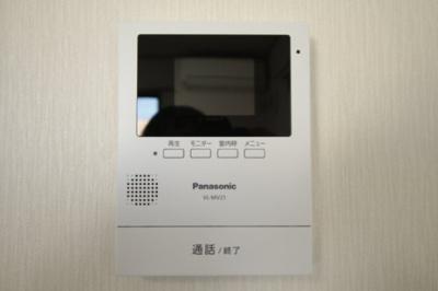 TVモニター付きインターフォンはセキュリテイ面でも安心です♪