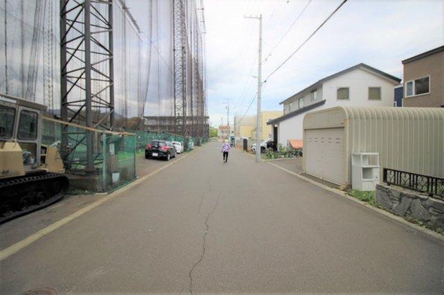 【前面道路含む現地写真】宮の森三条8丁目 戸建て