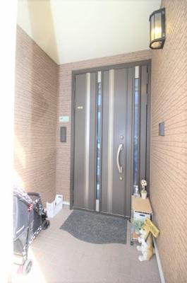 フード付きの玄関です。