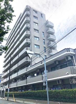 東武スカイツリーライン「竹ノ塚」駅より徒歩約4分にあります。