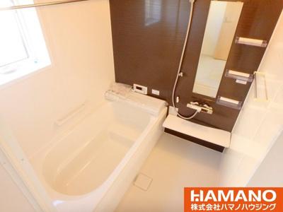 1坪浴室でゆったりゆっくり入れます。浴室乾燥暖房機付き