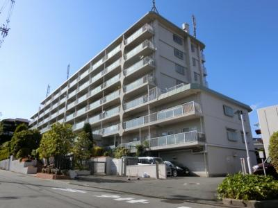 【現地写真】 総戸数115戸のマンションです♪