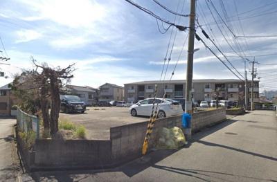 【外観】コンフォート蛍池東側駐車場