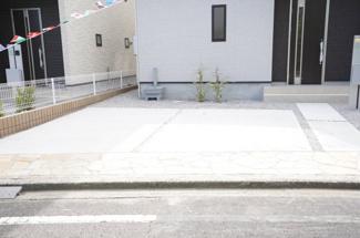 並列2台駐車可能!