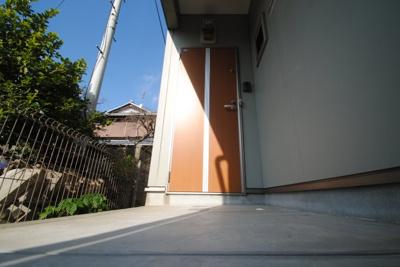 【玄関】グランドアマレーⅢ番館