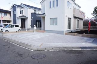 駐車スペースは3台以上可能! 本日、建物内覧できます。住ムパルまでお電話下さい!