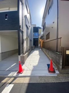 1号棟との共用スペースがあるので駐車もしやすいです。