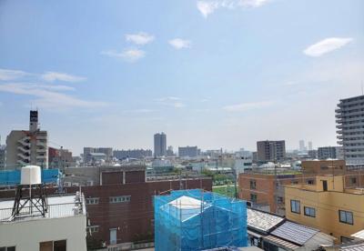 10階建5階部分からの眺望です。開放感がありますね。