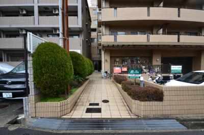 【エントランス】六甲クローネ