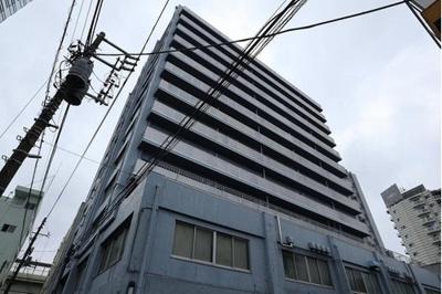 京王新線「初台」駅より徒歩約2分と通勤通学にも便利な立地にあります。