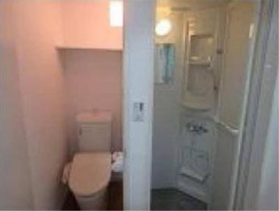 フェリスジュリアのシャワールームとトイレ(配置)☆