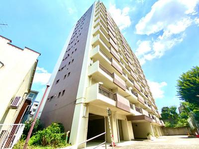 各線「西荻窪」駅徒歩約5分と便利な立地のマンションです。