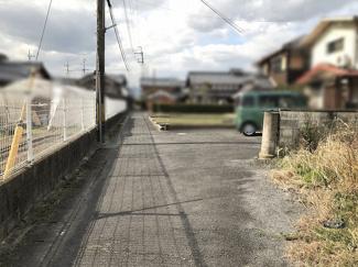 【前面道路含む現地写真】守山市山賀町 売土地