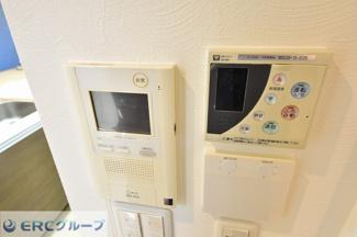 TVモニターホンや追い焚き機能、床暖房機能付きです。