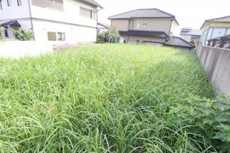 奥行きもばっちり取れております。 大きなお庭も確保できます。