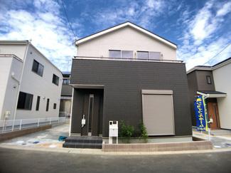 東武野田線「塚田」駅徒歩15分の全20棟の新築一戸建てです。
