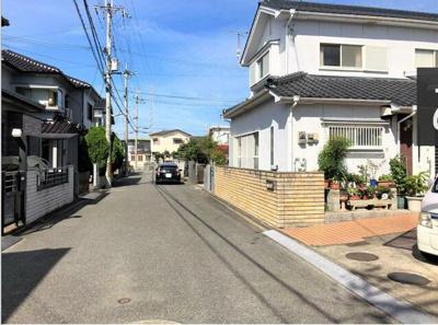 【前面道路含む現地写真】和歌山市楠見中 中古戸建