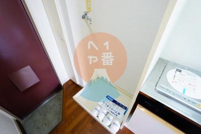 ネット無料。うれしい室内洗濯機置き場です