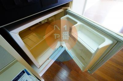 ネット無料。うれしいミニ冷蔵庫付き
