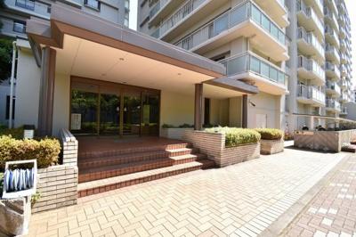 JR横須賀線・湘南新宿ライン「新川崎」騎徒歩5分、JR南武線「鹿島田」駅徒歩4分。 通勤時間の短縮でご家族と過ごす時間を増やす事が出来ます。