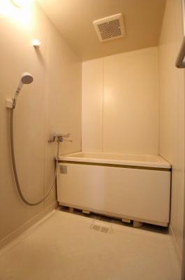 【浴室】エクシア・ケイ