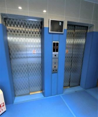 エレベーターは2基あります。