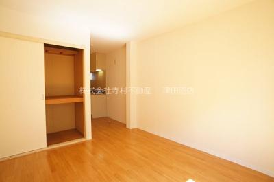 収納があり、お部屋を広く使えます♪