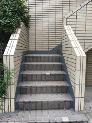 【エントランス】根岸三ツ木ビル