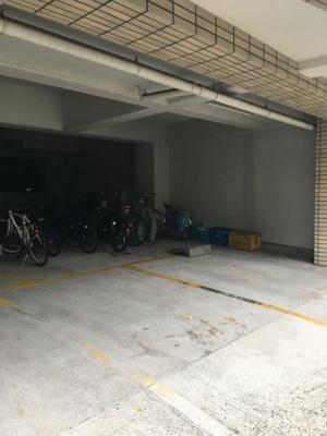 【駐車場】根岸三ツ木ビル