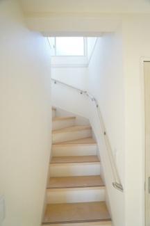 手すりのついた階段です。