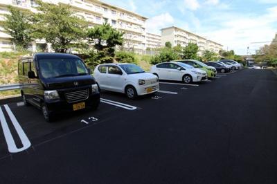 【駐車場】明舞第二団地6号棟