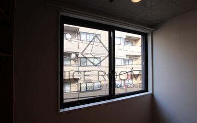 trias216 窓