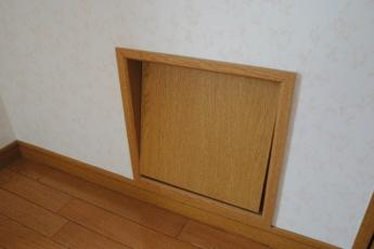 内装イメージ:同物件別室各部屋の扉にはワンちゃんが移動できる扉があります♪
