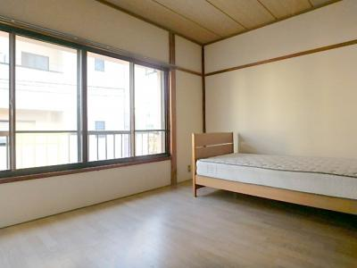 【寝室】コーポムーンプラザ