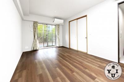 京阪『藤森駅』徒歩3分のアクセス便利なマンション。JR・近鉄・地下鉄へもアクセス可。スーパー・コンビニ・ドラッグストアが徒歩5分以内にあり買い物便利な立地です。