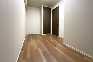 全居室収納付きで、納戸やウォークインクローゼットがあるので大きな荷物も片付けラクラク。