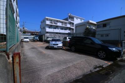 【駐車場】名谷農住団地8号棟