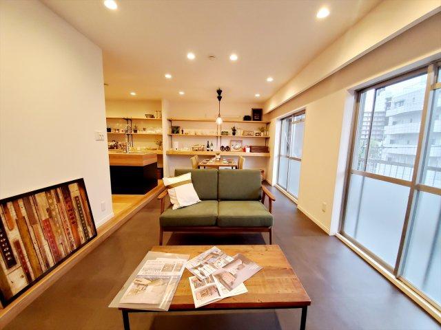 フルリノベーション完成しました! オープンなキッチンを中心にした広々LDKと寝室というシンプルで使いやすい間取りです