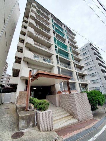 桜坂駅から徒歩4分という好立地、六本松エリアにも徒歩10分以内でアクセスOK 3階南東向きの明るいお部屋です