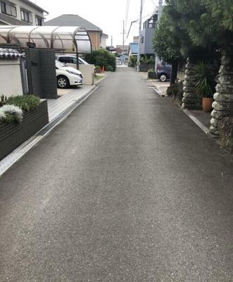 【前面道路含む現地写真】和歌山市秋月 中古戸建