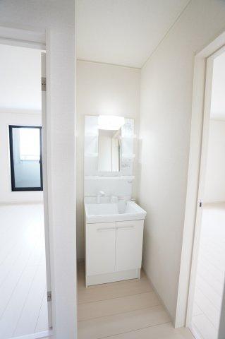 2階の洗面台があり便利ですね