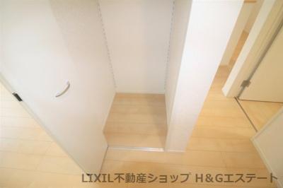 1F廊下収納
