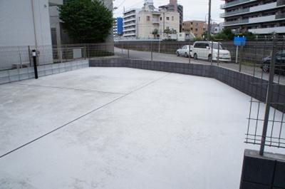 リブリ・シャルマンの駐輪場
