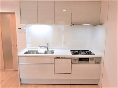 【現地写真】システムキッチン新品です♪ 食洗器付きです♪