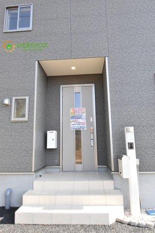 【玄関】上尾市瓦葺 第14 新築一戸建て クレイドルガーデン02