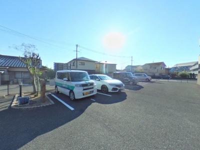 【駐車場】エトワール青山  B棟