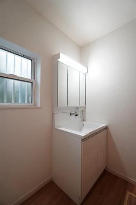 【洗面所】小学校が近い新築戸建て さいたま市第8南区太田窪