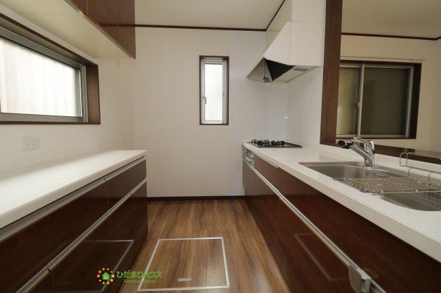 【キッチン】加須市元町 中古一戸建て